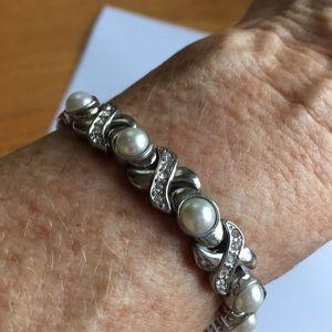 X and O bracelet